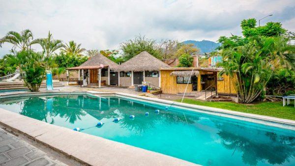 Balneario La Onda en Tlayacapan - Morelos: Ubicación, precios y servicios del parque acuático