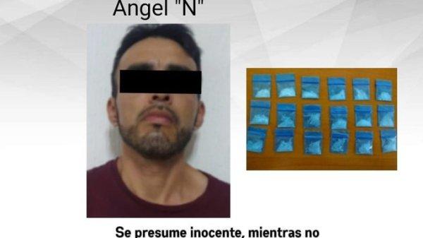 Detienen a un hombre en la Colonia Revolución de Cuernavaca con 18 bolsitas de droga