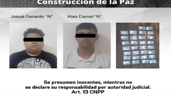 """Sujetos detenidos con 30 dosis de """"crystal"""" al interior de su vehículo en Temixco"""