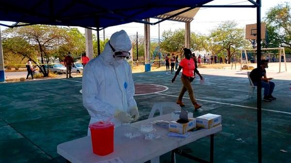 Trabajadores del sector turístico de Jojutla se realizan pruebas de Covid-19 para garantizar la seguridad de los visitantes al municipio