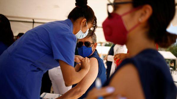 Anuncian aplicación de la primera dosis de SINOVAC para personas de 30 a 39 años en Yautepec
