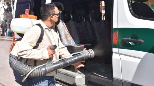 Realizan operativo de desinfección de unidades del transporte público en Yautepec