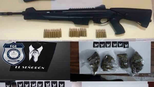 """Catean presuntas casas de seguridad del """"Señorón"""" en Miacatlán. Encuentran armas de fuego, cartuchos, drogas y automóviles, además de detener a tres mujeres y dos hombres"""