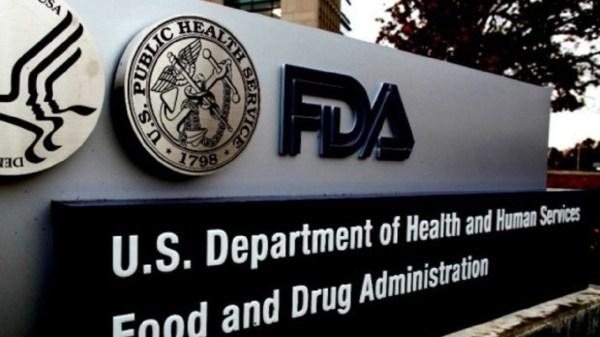 FDA recomienda tercera dosis de la vacuna contra Covid-19 solo para personas mayores de 65 años de edad