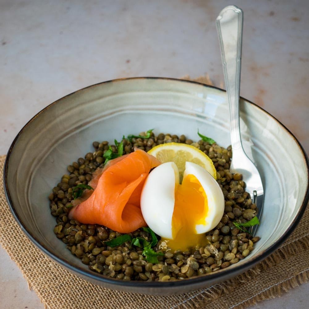 salade de lentilles truite fumee et œuf mollet