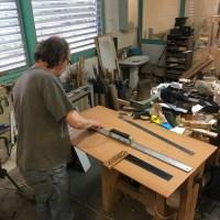 Luthier Franck Cheval : découpage éclisses et dos d'une guitare