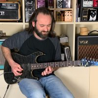 Interview guitare à la main Stéphane Boget, virtuose de la Super Strat