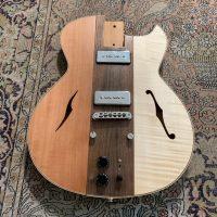 Interview luthier Hervé Bérardet au sujet de la Osiris, sa guitare démontable