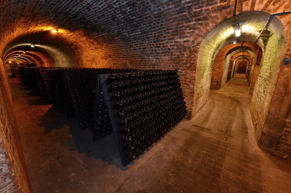 Une cuvée qui a reposé durant quatorze ans dans les caves de la maison Bollinger à Aÿ.