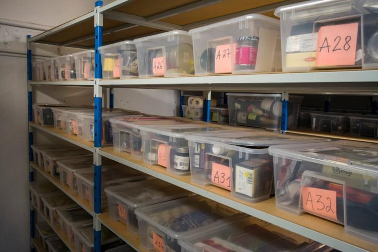 Rangés et répertoriés, des centaines d'objets dans le petit musée du Comité Champagne