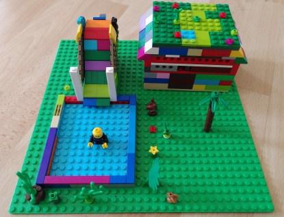 maison Lego® avec un trésor caché à l'intérieur