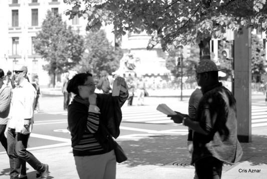 Leyendo en la calle