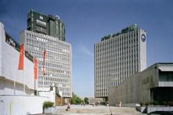 Plaza de la República (antes: Plaza de la Revolución): torres TR2 y TR3, centro cultural Cankarjev Dom, edificio de oficinas y centro comercial (foto W. Thaler)