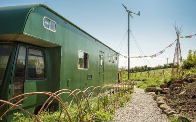 Book your stay in the off grid horse box