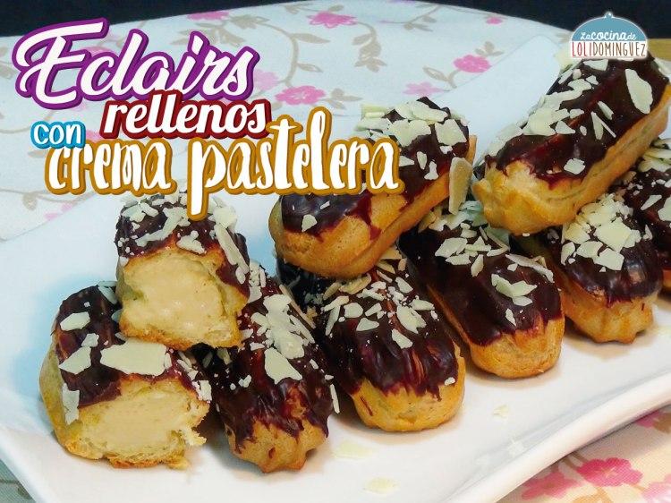 Relámpagos o eclairs rellenos con crema pastelera y cobertura de chocolate