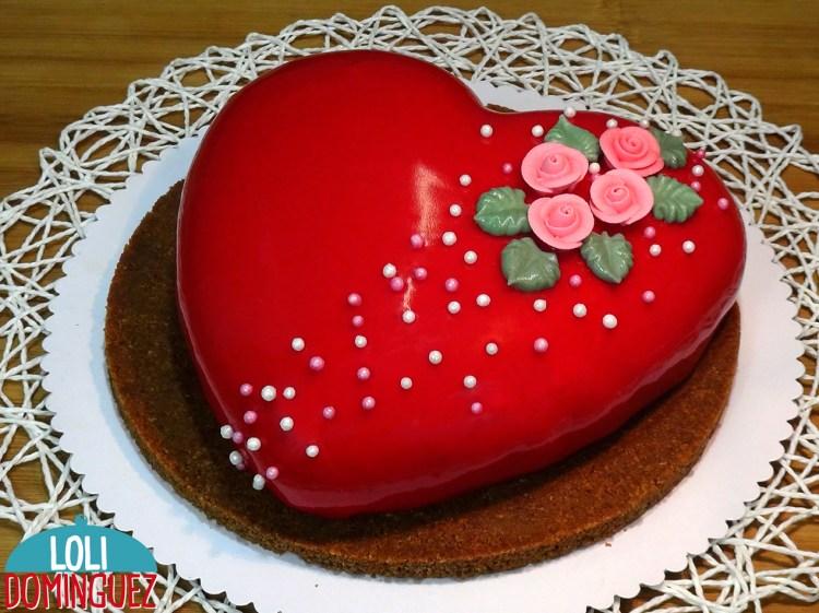 TARTA ESPECIAL SAN VALENTÍN 2020, SIN HORNO. Tarta de chocolate y fresa con cobertura espejo. Con unos sencillos pasos vamos a preparar una tarta para sorprender