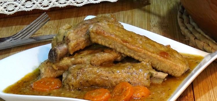 COSTILLAS DE CERDO EN SALSA. Receta fácil y económica. Las costillas de cerdo son una carne muy sabrosa y económica, cocinadas con esta receta el resultado es más que delicioso