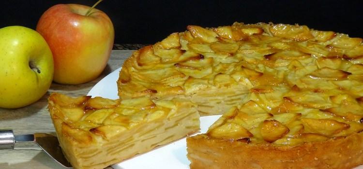 TARTA DE MANZANA A CAPAS RECETA FÁCIL Y DELICOSA. Esta tarta está especialmente rica ya que tiene un toque a limón que contrasta con el dulzor de la manzana que la hace completamente irresistible