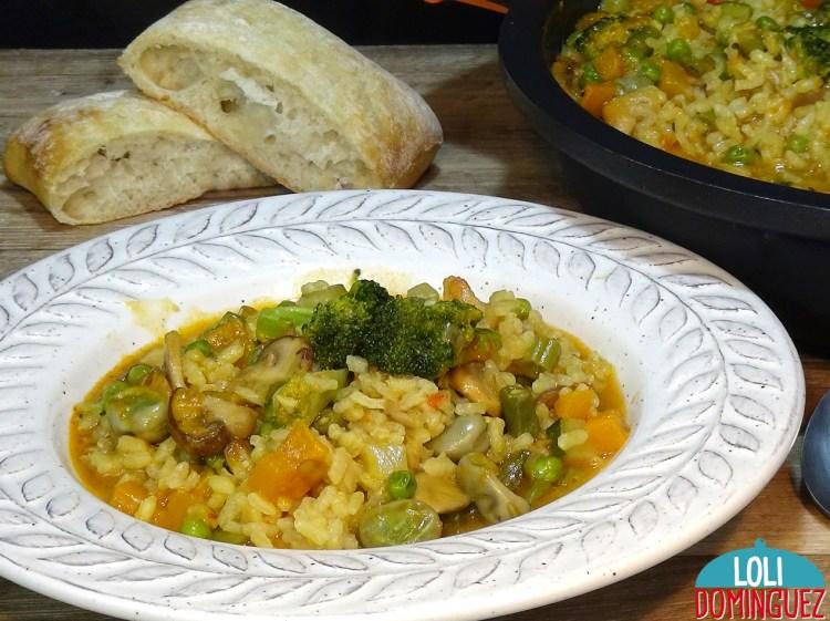 GUISO DE ARROZ CON VERDURAS.Después de los días de excesos os va a sentar de maravilla y es muy saludable. Una receta deliciosa para hacer un riquísimo arroz con solo verduras y lleno de sabor, después de los días de exceso comer un plato de cuchara ligero, nutritivo y con el que seguro que vamos a disfrutar muchísimo; Además los veganos y vegetarianos tienen con esta receta un plato delicioso