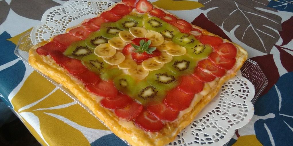 Hojaldre con crema pastelera con frutas