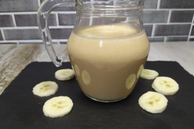 smoothie de platano y crema de cacahuete