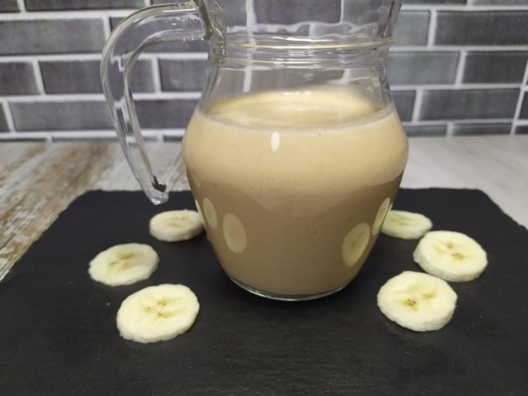 Smoothie de plátano y crema de cacahuete