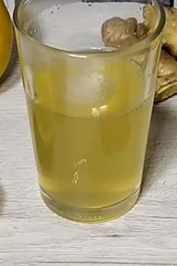 infusion o te de jengibre con limón