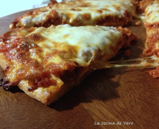 slice de pizza de chorizo de rey pizza