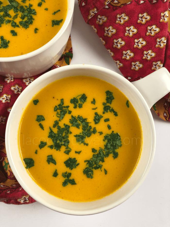 Sopa de zanahorias y cilantro