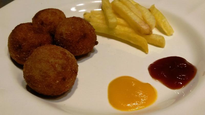 Croquetas holandesas de carne  – bitterballen