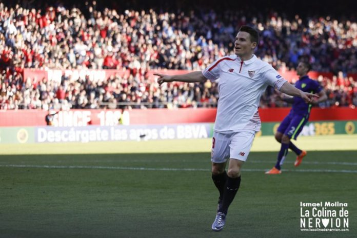 Gameiro celebra su primer gol ante el Málaga | Imagen: Ismael Molina