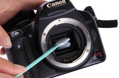 Cum curatam senzorul aparatului de fotografiat, singuri!