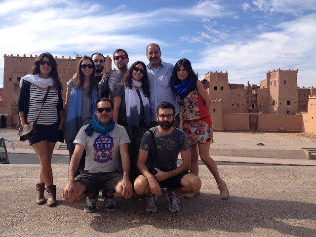 Con nuestro guía en el sur de Marruecos