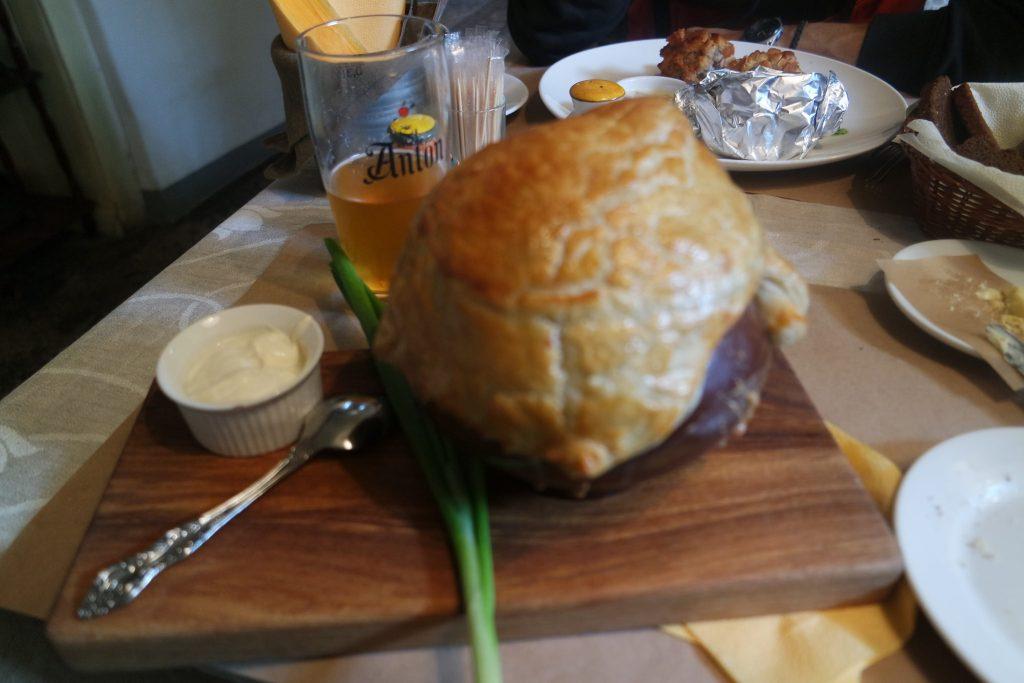 Típica sopa schi, restaurante Yat