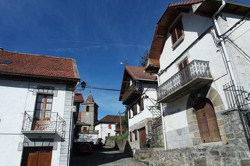 Ezcaroz, Navarra, alojamiento en la Selva de Irati