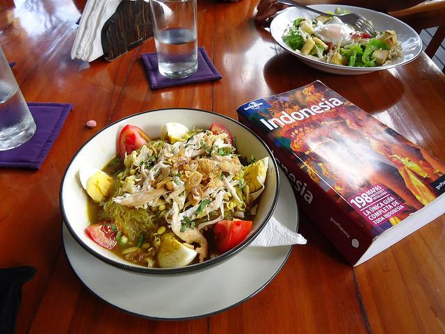 Sopa Soto Ayam, gastronomía de Indonesia