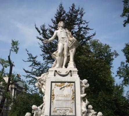 Viena, estatua de Mozart