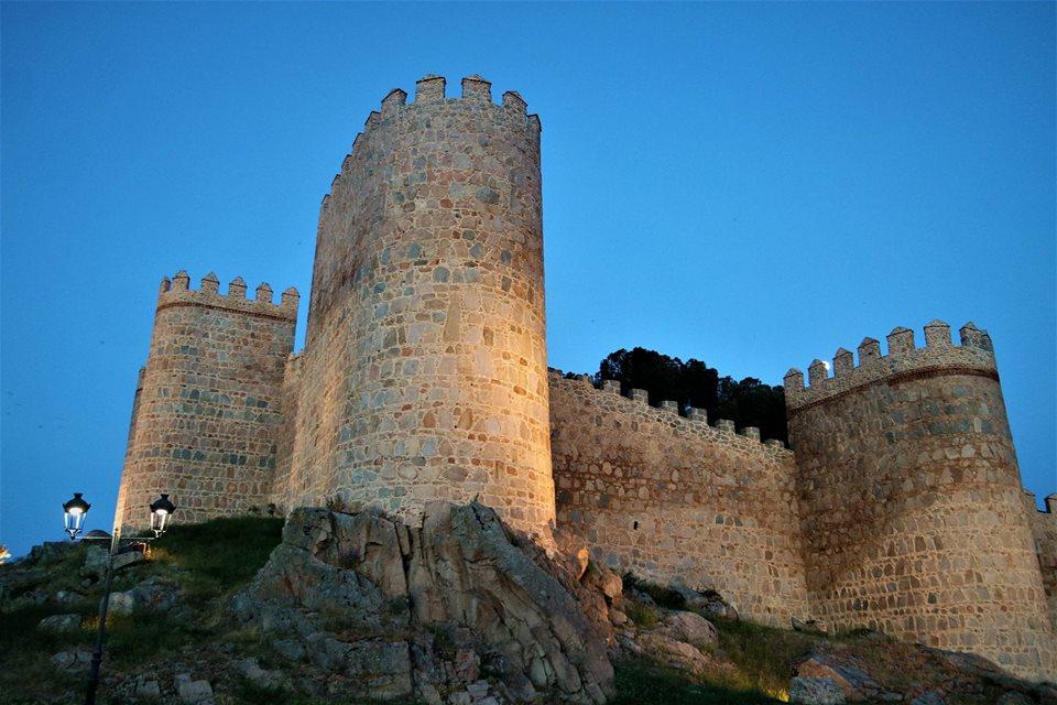 Muralla De Avila Historia Que Esconden Sus Piedras Medievales