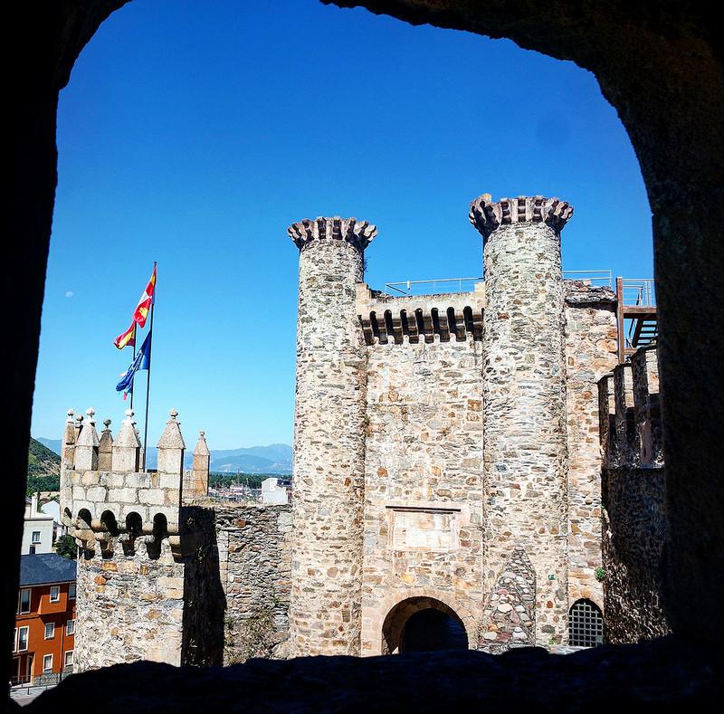 Castillo Templario de Pompefarrada en León