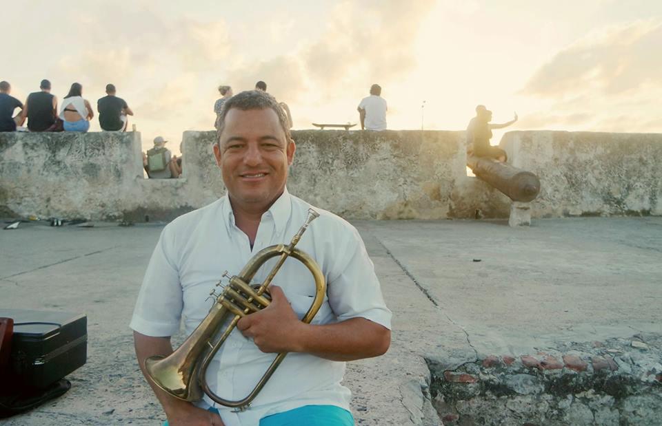 Músico al atardecer, Cartagena de Indias