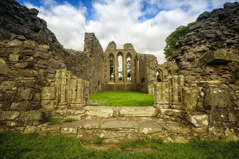 Inch Abbey, fuente Shutterstock