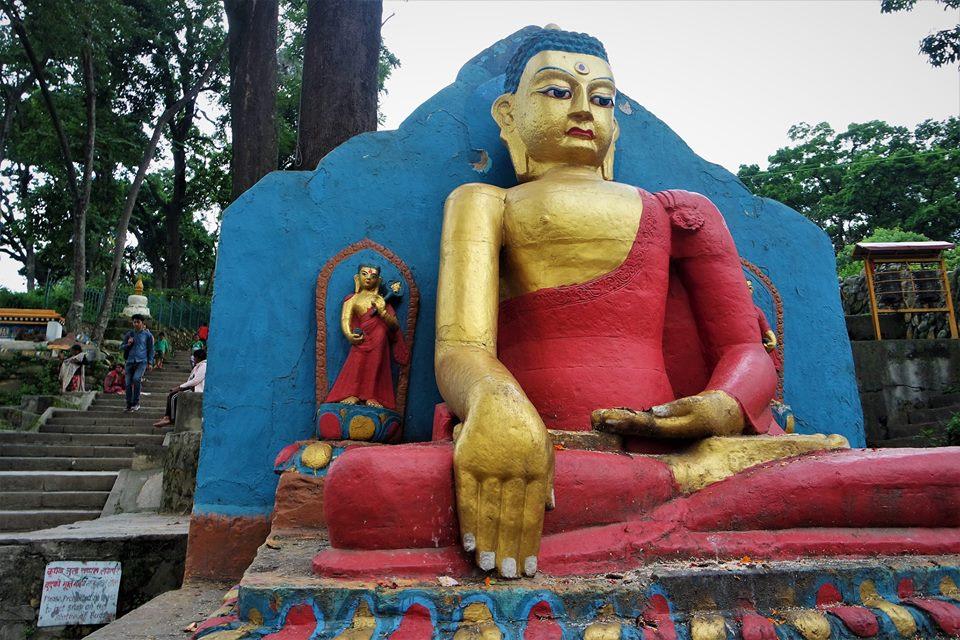 Subida a Swayambhunath, valle de Katmandú