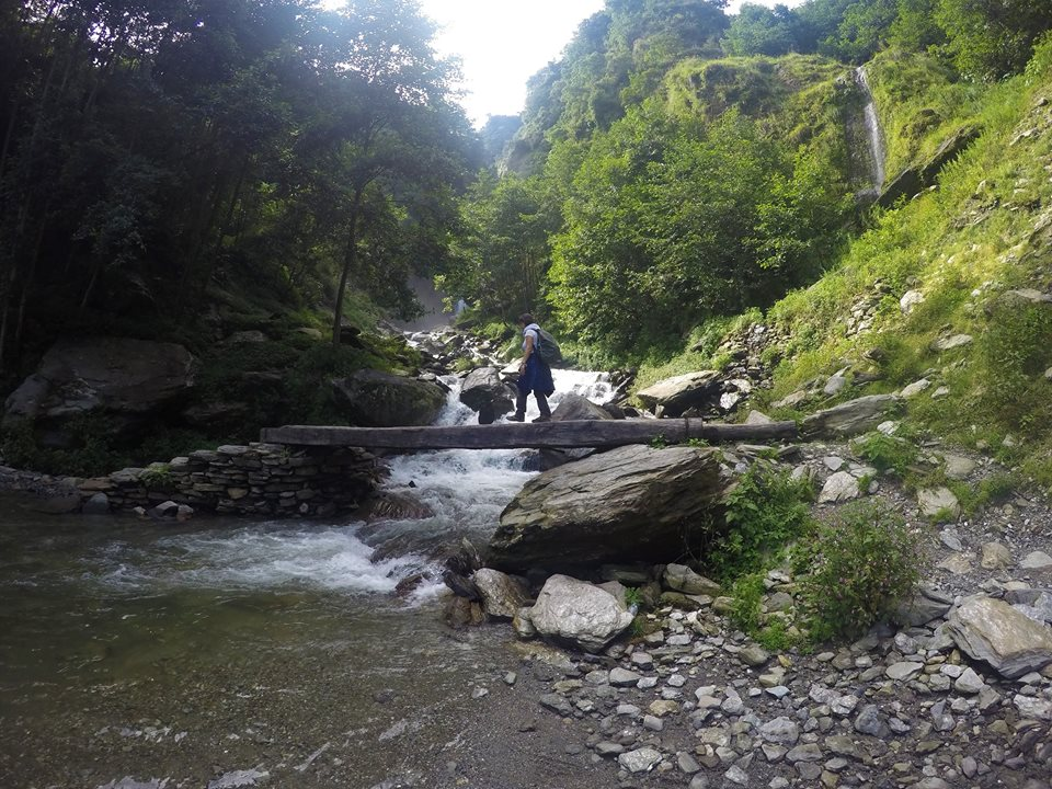 Puente, Trekking al Campo Base del Annapurna