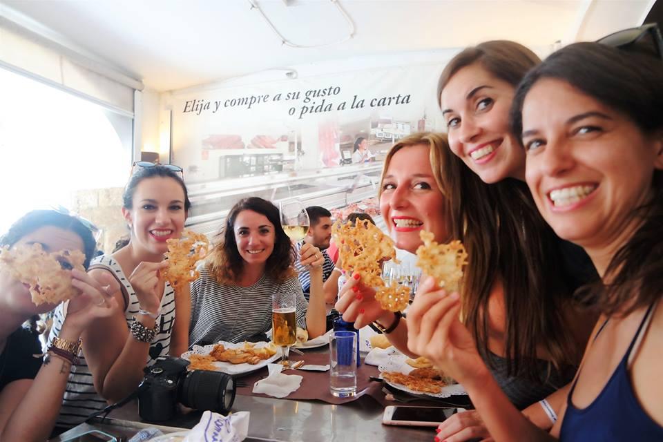 Deliciosas tortillitas de camarones en Romerijo