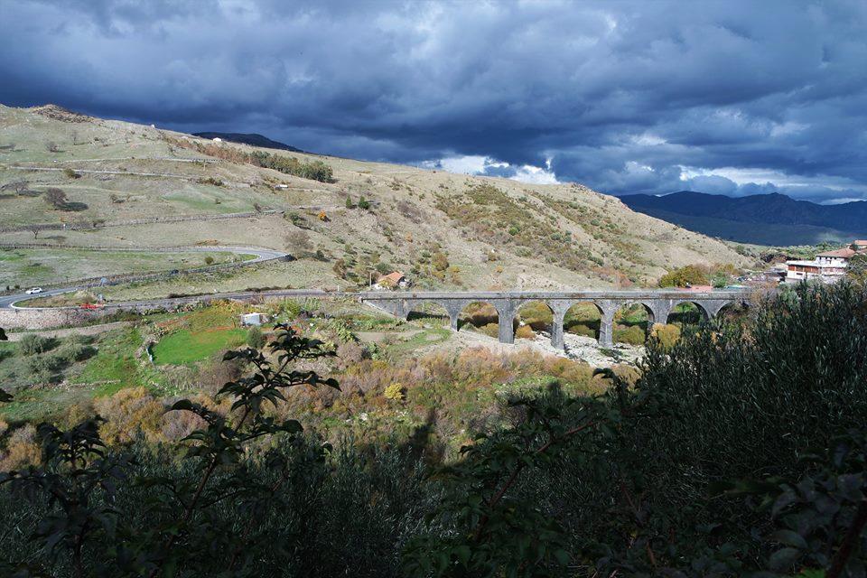 El Etna en tren por la ruta del pistacho