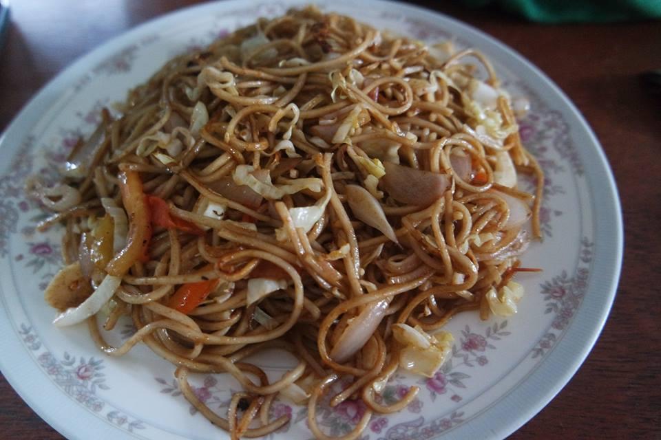 Noodles con huevo y verdura