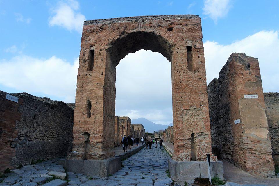 Arco de entrada a Pompeya