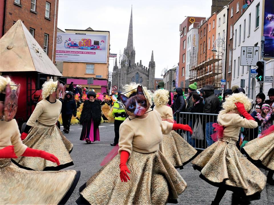 Mujeres gato, San Patricio en Dublín