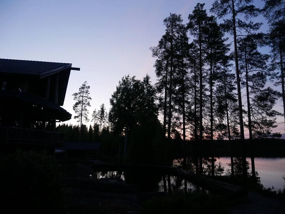 Hotel cabaña en el lago