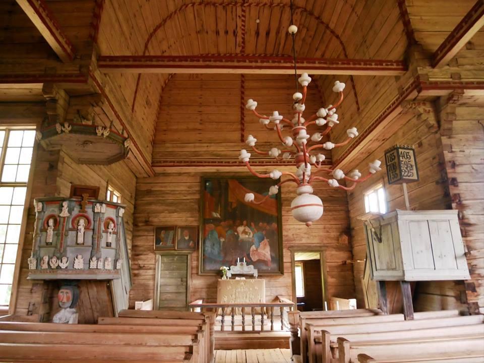 Interior de la vieja iglesia dePetäjävesi